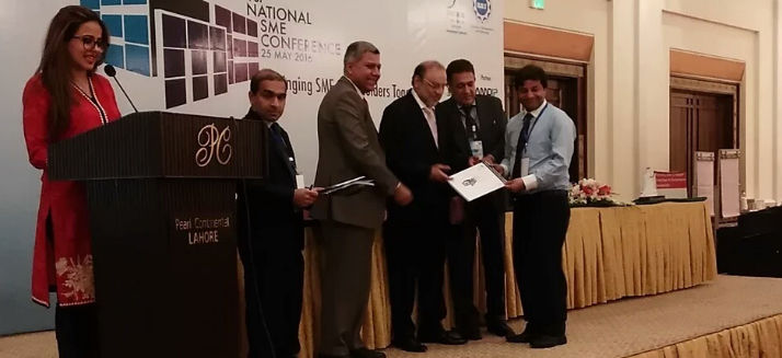 Best Paper Award to Chairman Department of Commerce (Dr. Masood ul Hassan) at 1st National SME Conference May 25, 2016